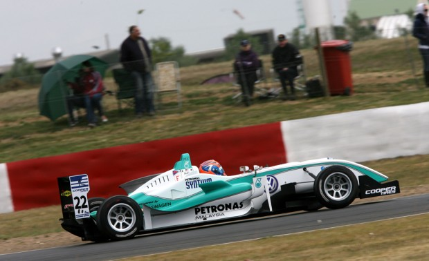 Jazeman Jaafar racing at Snetterton in the British F3 series
